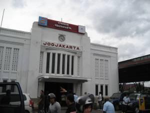 Stasiun_Tugu