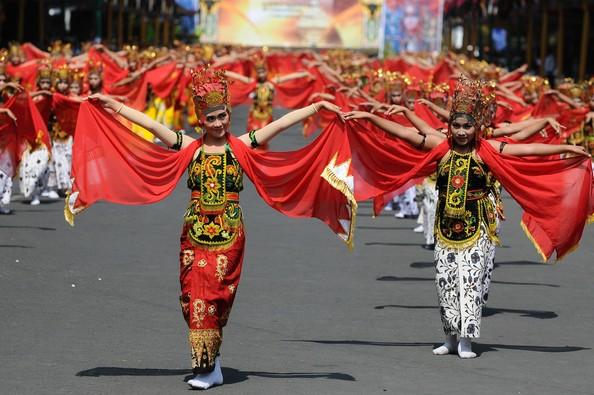 Banyuwangi Ethno Carnival (foto : Zimbio)