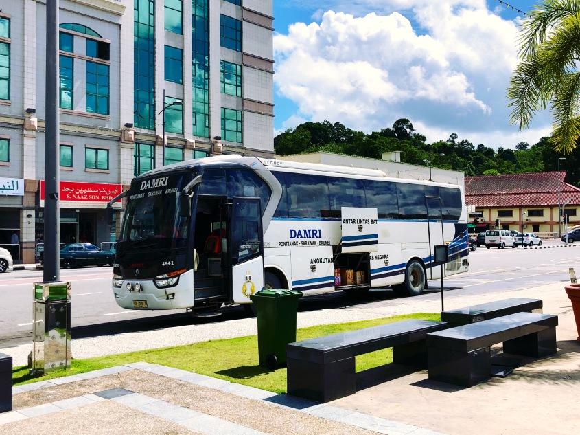 DAMRI rute Pontianak-Serawak-Brunei