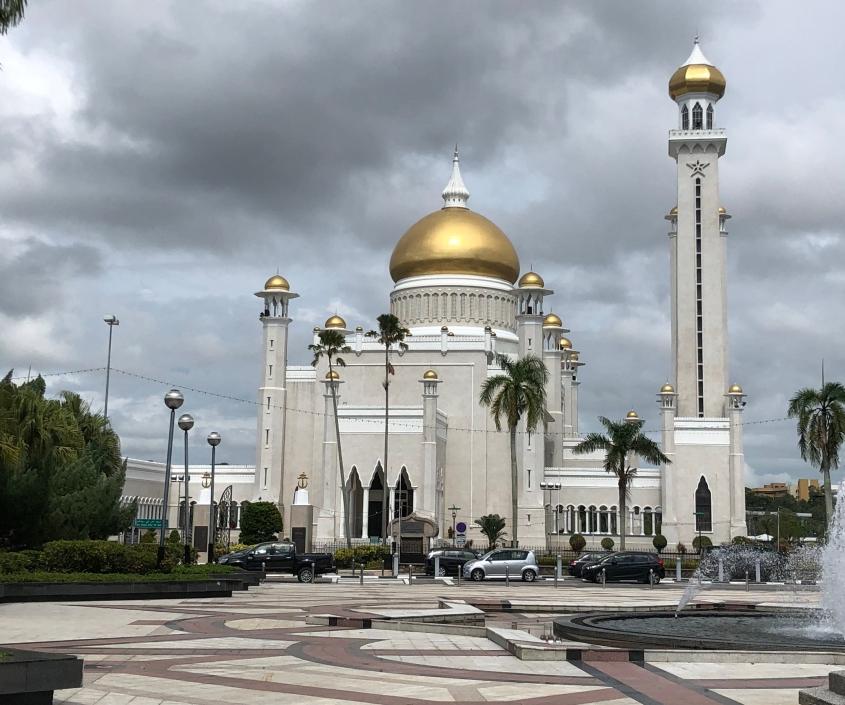 Masjid Omar Ali Syaifuddin