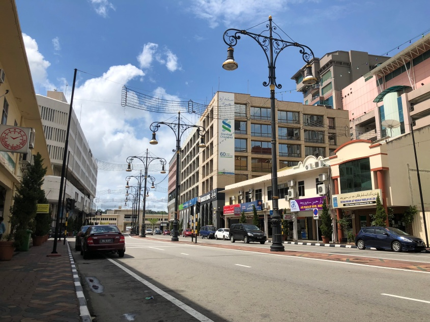Jalanan lengang di Bandar Seri Begawan