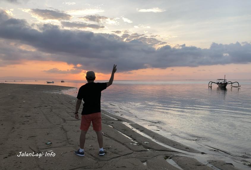 Sunrise at Sanur 2