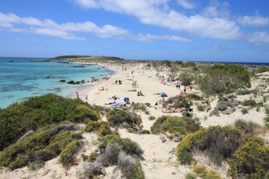 21. Elafonisi Beach Yunani