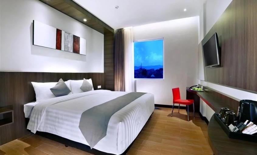 Neo Hotel Dipatiukur